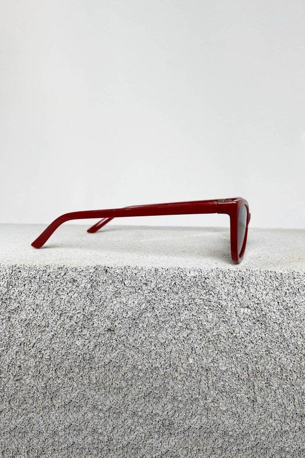 ΑΞΕΣΟΥΑΡ Editor γυαλιά ηλίου κόκκινος σκελετός μαύρος φακός