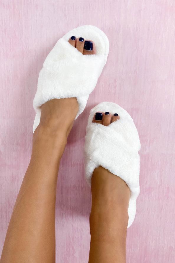 Slippers Fluffy fur slippers λευκό