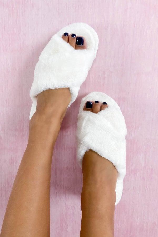 SALES Fluffy fur slippers λευκό